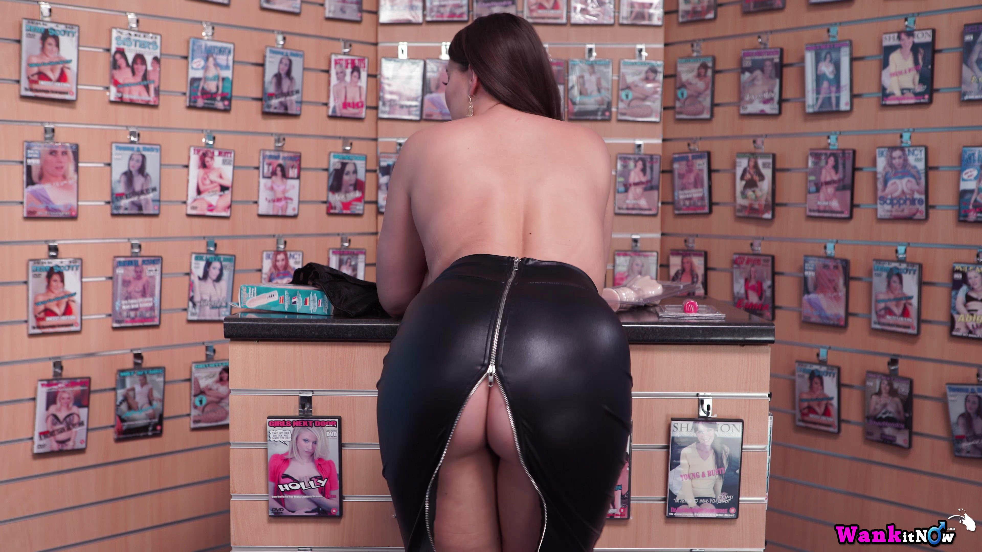 Cherry Blush nude porn video make you worship her huge tits